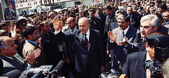 heydər əliyev prezident ile ilgili görsel sonucu