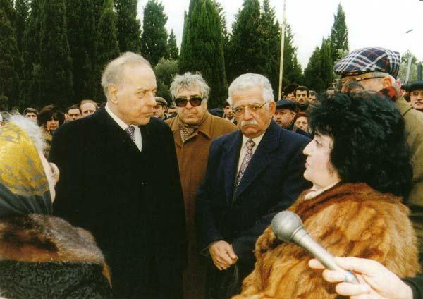 Картинки по запросу гейдар Алиев Самед Вургун 90 юбилей